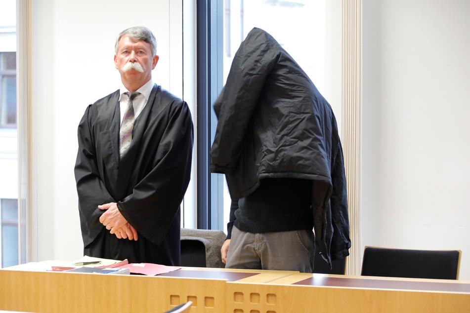 Für Rico U. (39, r.) steht bald ein neuer Verhandlungstermin am Landgericht Chemnitz an.