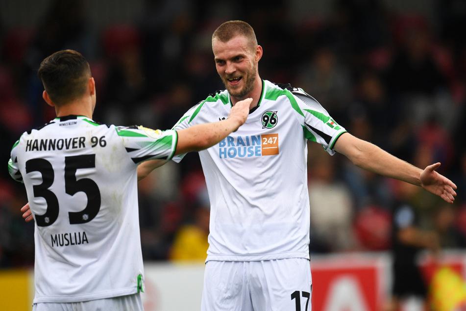 Marvin Ducksch (27, r.) verlässt Hannover 96 nach zwei erfolgreichen Spielzeiten und soll nun in Bremen für die nötigen Tore sorgen.