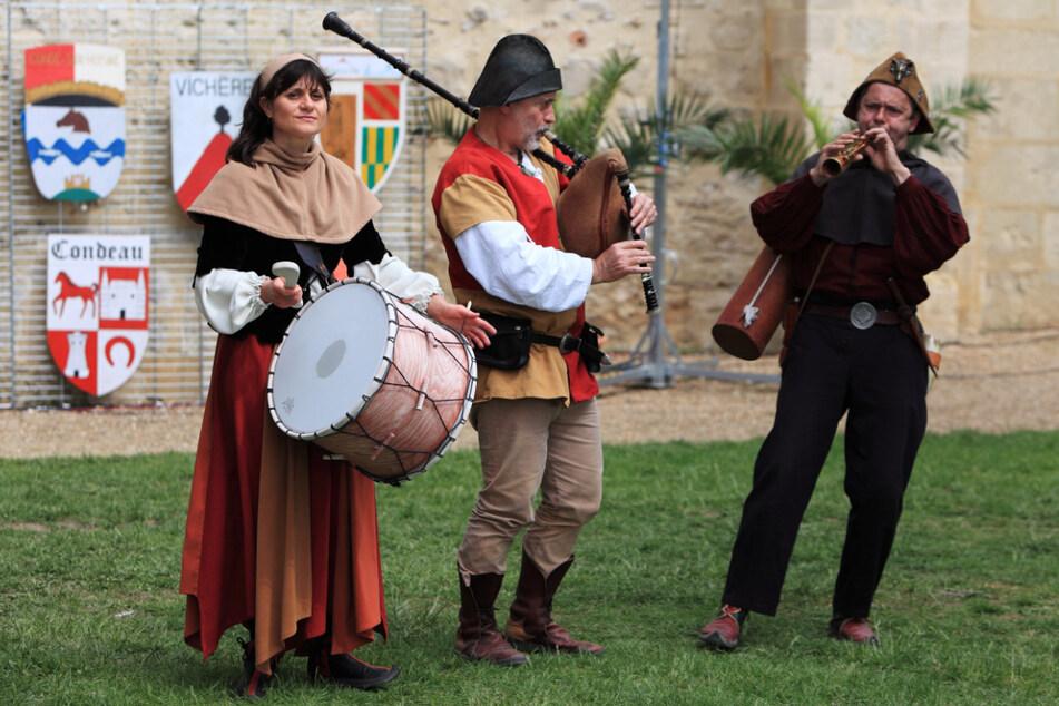 Mittelalterliche Kunst und viele Köstlichkeiten bietet das Mittelalterliche Burgspektakel. (Symbolbild)