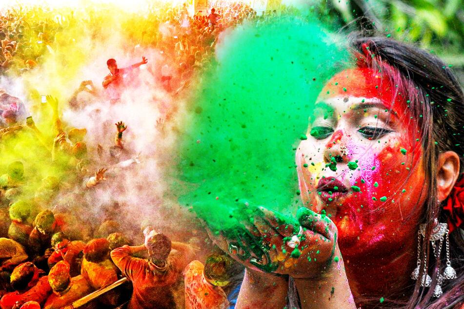 """Inder trotzen Coronavirus und feiern """"Holi""""-Fest: So schön war es!"""