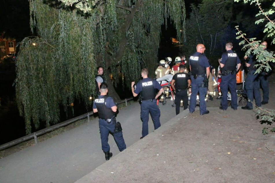 Bewusstlose Person im Landwehrkanal! Rettungskräfte reagieren sofort