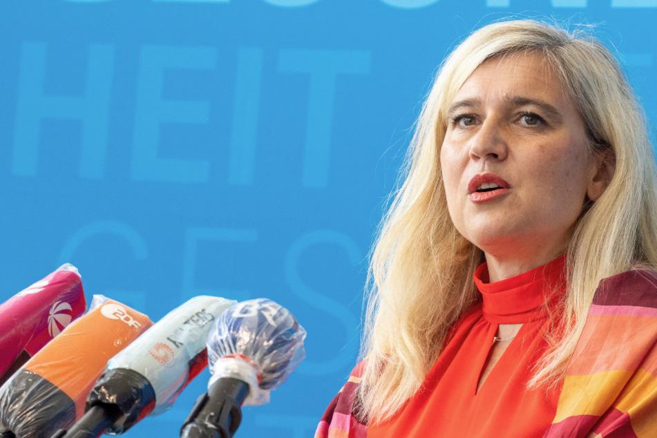 Melanie Huml (CSU) hätte angesichts der Panne um Corona-Tests nach Ansicht von Ursula Münch ihren Posten abgeben müssen.