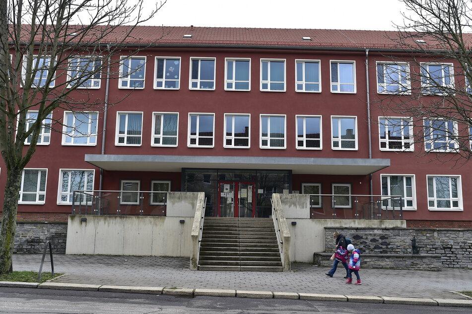Gemische Gefühle zum Schulstart: Auch an der Gebrüder-Grimm-Grundschule auf dem Kaßberg, wo der integrierte Hort von Corona betroffen ist.