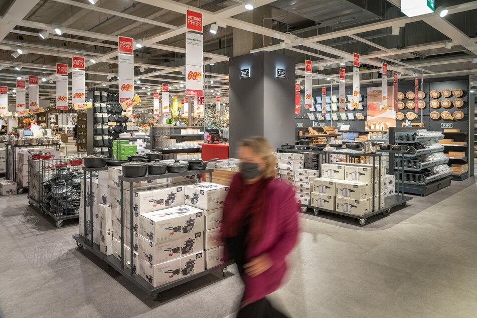 Höffner startet bis Sonntag (7.3.) krassen Abverkauf mit bis 70 % Rabatt
