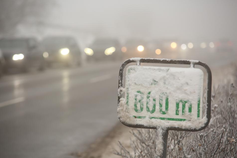 Kilometerlanger Stau, volle Parkplätze, kein Abstand: Polizei rät von Ausflügen in den Harz ab