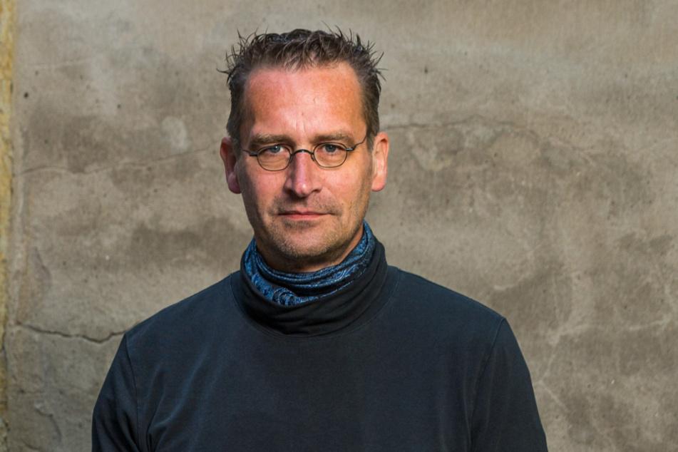 Martin Schulte-Wissermann (49, Piraten) und andere Stadträte wollen den Durchgang wieder öffnen.