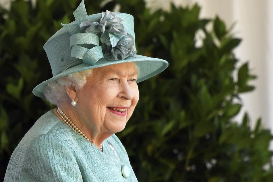Königin Elisabeth II. von Großbritannien (95) begeht den 100. Geburtstag von Prinz Philip (†99) auf ganz besondere Weise.