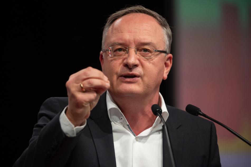 Partei- und Fraktionschef Andreas Stoch (51, SPD) fordert den Einsatz mobiler Impfteams an Schulen.