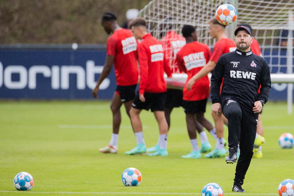 Die Geißböcke beim Training. Noch sind die neuen Trikots des 1. FC Köln nicht offiziell vorgestellt worden.