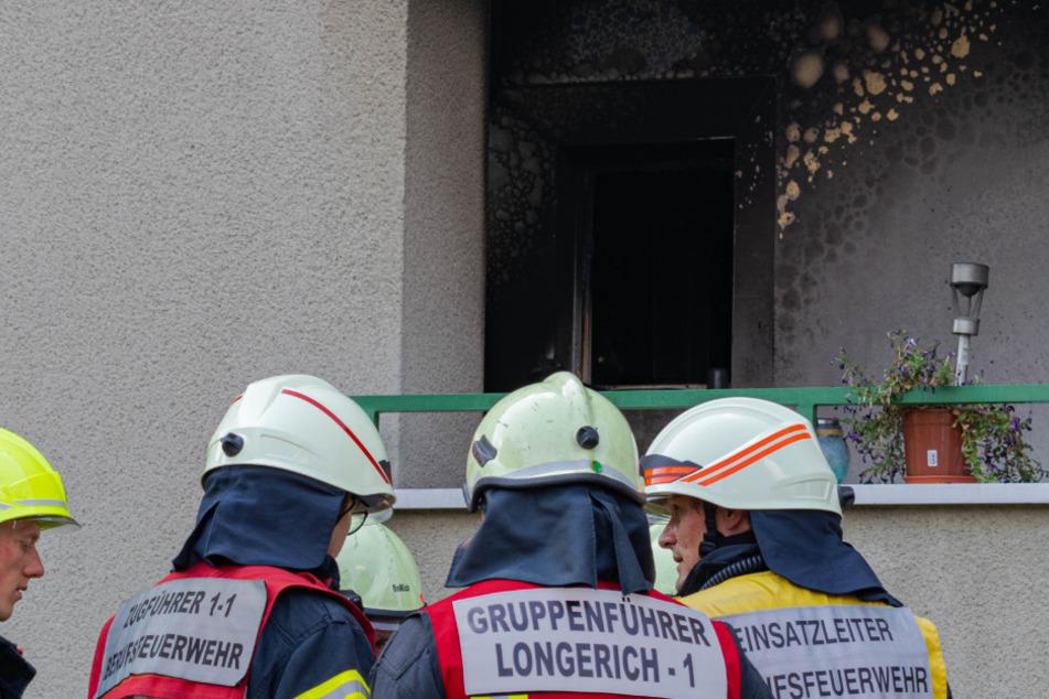 Köln: Kölner Wohnung in Flammen! Feuerwehr rettet vier Bewohner