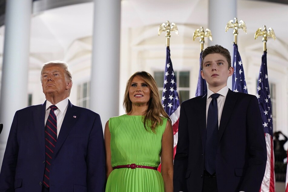President Donald Trump alongside First Lady Melania and youngest son Barron (r.) at the end of the Republican National Convention.