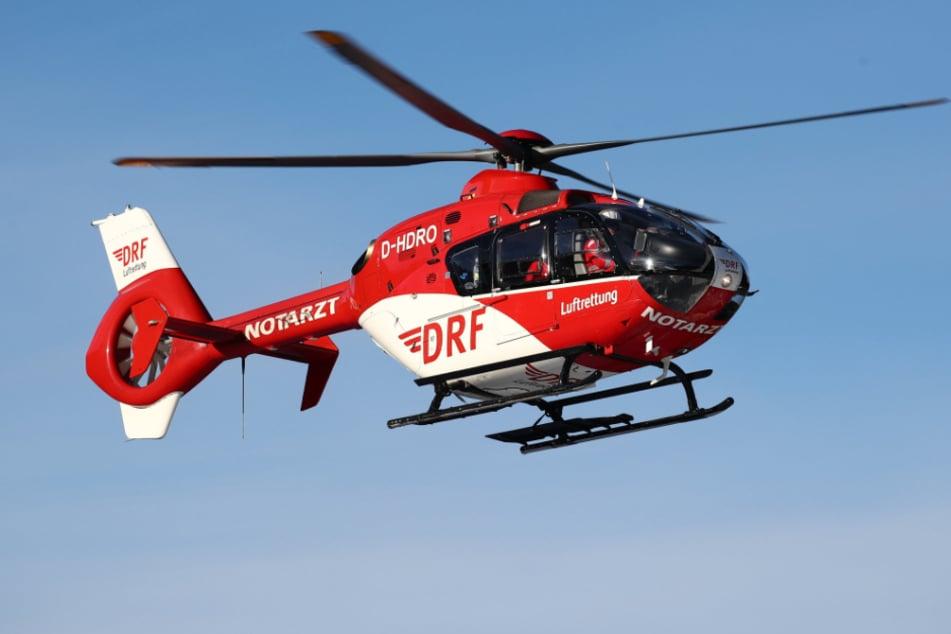 Die Wanderin fiel in eine Schlucht und musste von einem Hubschrauber gerettet werden. (Symbolbild)