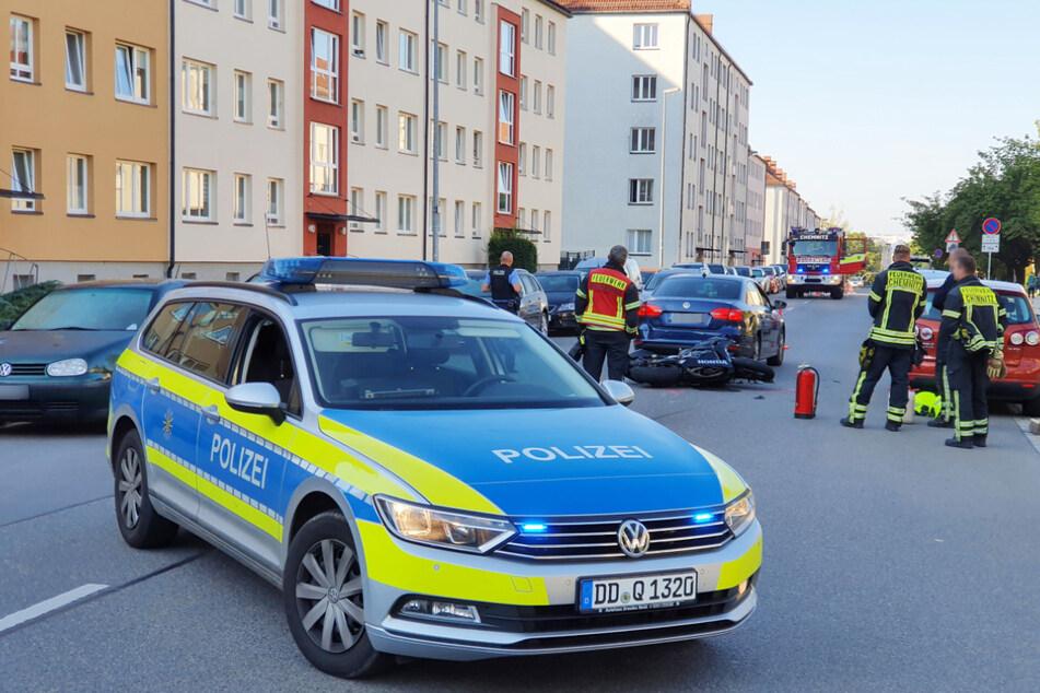 Die Polizei und die Feuer sperrten nach dem Unfall vorerst die Lutherstraße.
