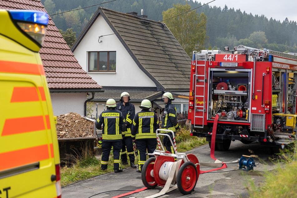 Bei einem Kellerbrand in Klingenthal wurden zwei Menschen verletzt.