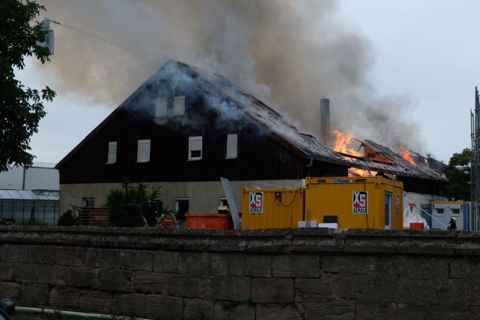 Mega-Schaden bei Feuer auf Bauernhof: War es Brandstiftung?