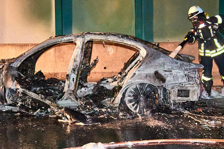 Trauriges Ende einer Urlaubsreise: BMW auf A17 komplett abgebrannt!