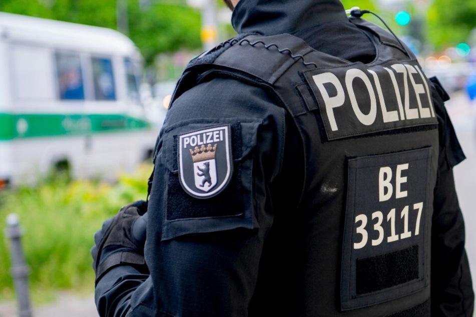 Ermittler des LKA haben am Mittwochmorgen in Berlin mehrere Durchsuchungen durchgeführt (Symbolbild).
