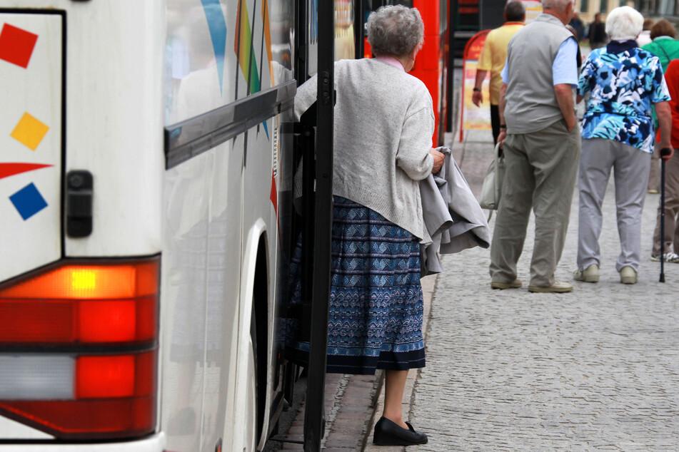 Forscher warnen, dass sich eine Person bei Reiseantritt noch gesund fühlen kann, aber das Virus bereits in sich trägt. (Symbolbild)