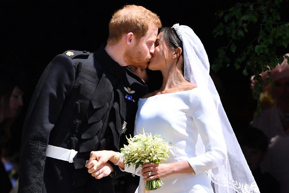 Am 19. März 2018 gaben sich Herzogin Meghan (39) und Prinz Harry das Ja-Wort. Die offizielle Ehe ist - entgegen Meghans Behauptung - die rechtlich Gültige.