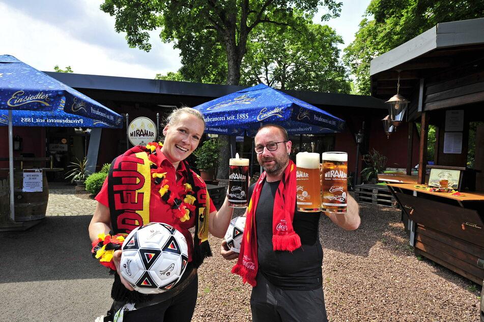 Sindy Taizs (36) und Danny Wiedemann (46) vom Miramar freuen sich auf die EM.