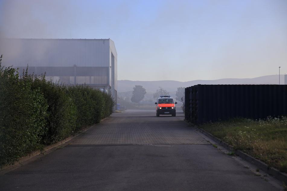 Neben den Einsatzkräften der Feuerwehr waren auch Rettungsdienst und Polizei vor Ort.