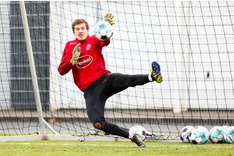 Wird er die neue Nummer zwei hinter Kevin Broll? Anton Mitryushkin (25) stellt sich beim Probetraining vor. Er steht (noch) bei Fortuna Düsseldorf unter Vertrag.