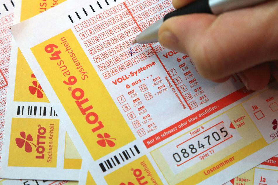 Ein Magdeburger Lottospieler hat 2,1 Millionen Euro gewonnen.