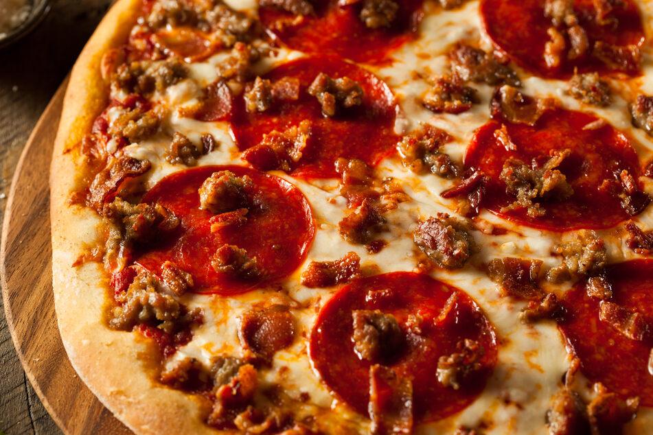 Salami-Pizza im Test: Die Qualitäts-Unterschiede sind besorgniserregend