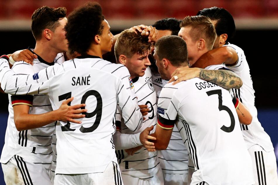 Timo Werner (3.v.l.) schoss Deutschland in seiner Heimatstadt Stuttgart mit 1:0 in Führung.