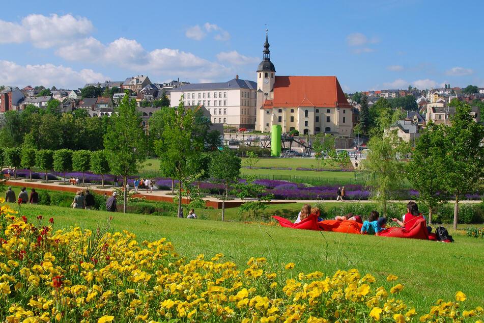 Im Rahmen der 5. Sächsische Landesgartenschau 2009 im Reichenbach in Vogtland entstand der Park der Generationen. Er ist beliebt bei Jung und Alt.