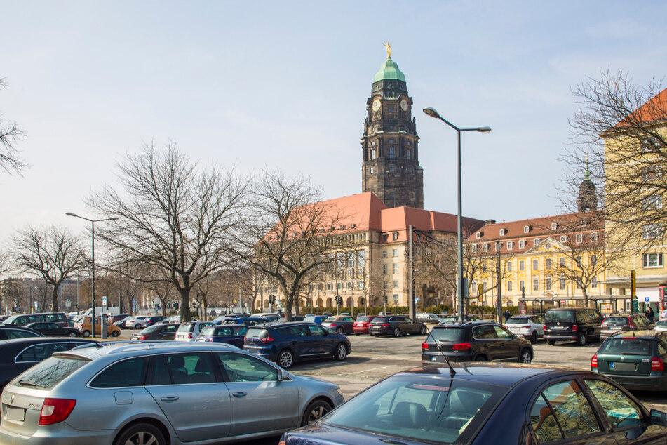 Dresden: Gnadenfrist für Autofahrer: Rathaus-Panne verzögert die neuen Parkgebühren