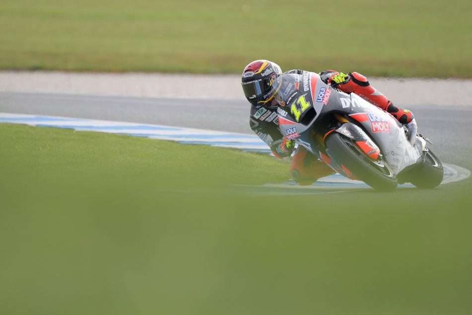 Sandro Cortese aus Deutschland vom Team Dynavolt Intact GP fährt auf der Strecke.