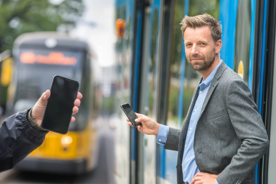 Nie wieder Tickets ziehen: Neue Handy-App für Bus und Bahn