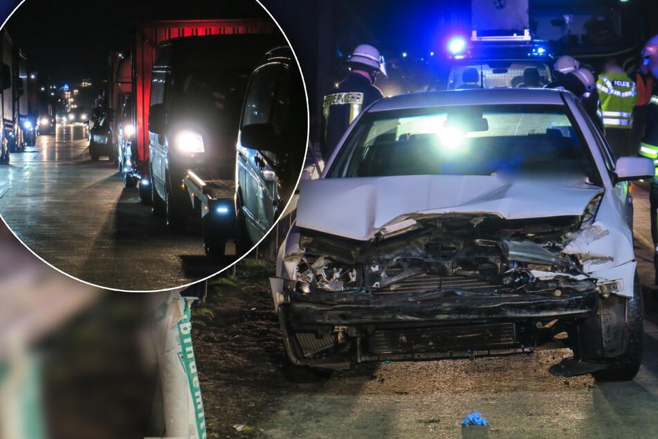 Unfall A72: Stau auf A72 bei Zwickau: Skoda-Fahrer kracht gegen Leitplanke