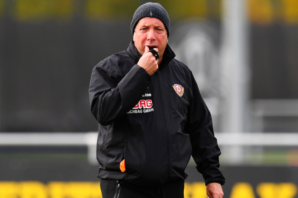 Anpfiff! Am heutigen Sonntag bittet Markus Kauczinski (50) seine Dynamos zum ersten Training des neuen Jahres.