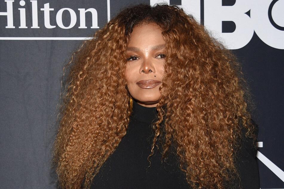 Janet Jackson (54) trennt sich an ihrem Geburtstagswochenende von über 1000 persönlichen Stücken.