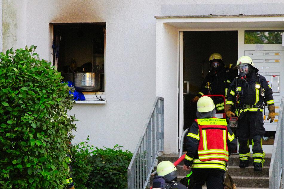 Durch die mutmaßliche Explosion breitete sich in der gesamten Wohnung ein Feuer aus.