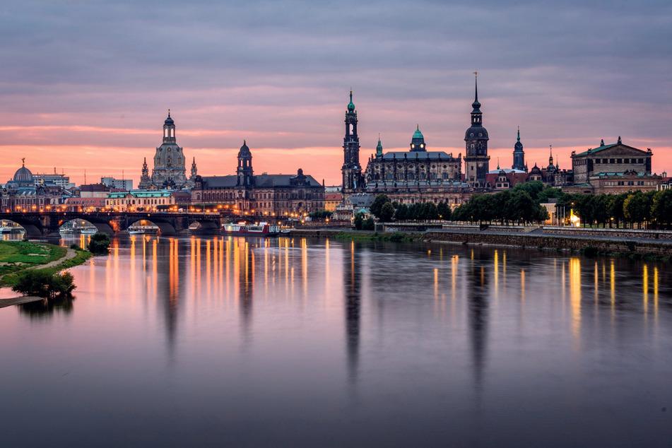 Die Dresdner Stadtverwaltung versucht durch umsichtiges Geldflussmanagement die Belastungen durch Strafzinsen zu minimieren.