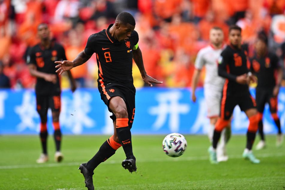 Doppelpack: Georginio Wijnaldum (v.) netzt zum 3:0 für die Niederlande ein.