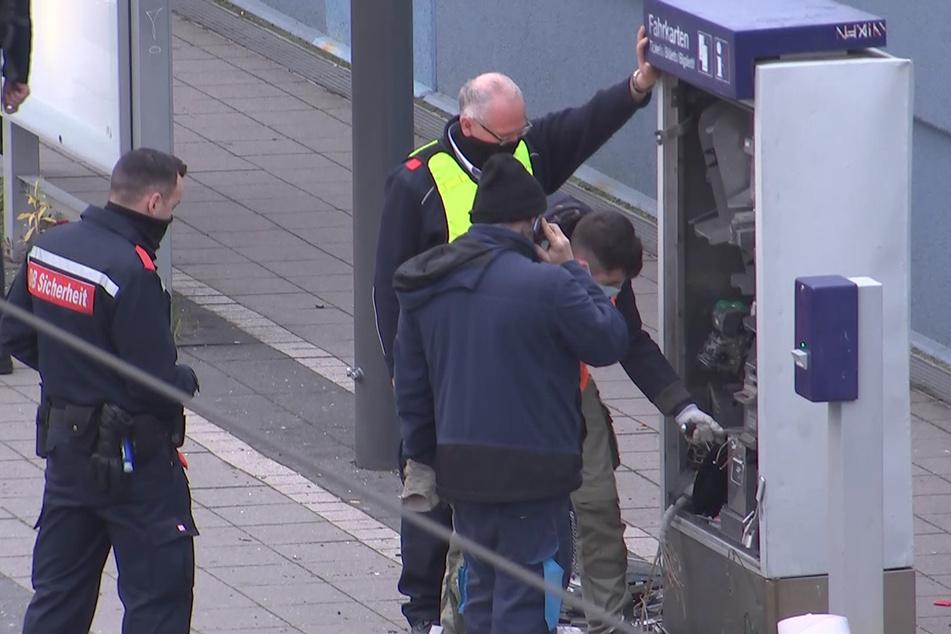 Hoher Sachschaden, aber keine Beute: Fahrkarten-Automaten in Leipzig und Böhlen gesprengt