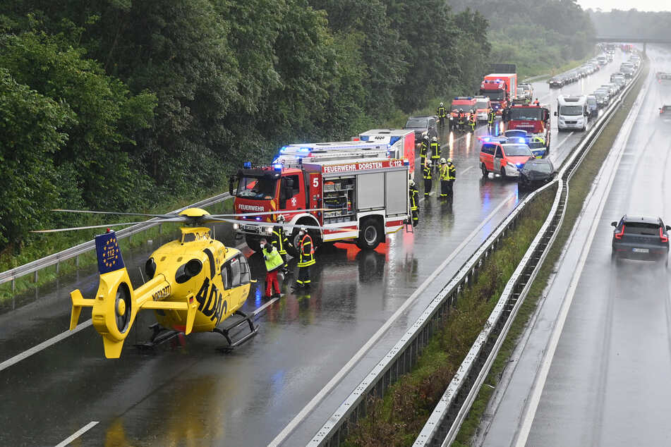 Auf der A31 bei Dorsten (NRW) sind bei zwei Unfällen insgesamt 17 Menschen verletzt worden.