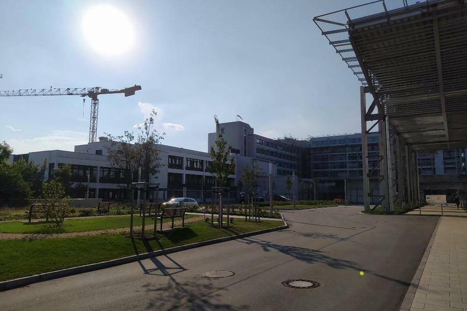 Am Klinikum Deggendorf haben sich mehrere Patienten und ein Mitarbeiter infiziert.