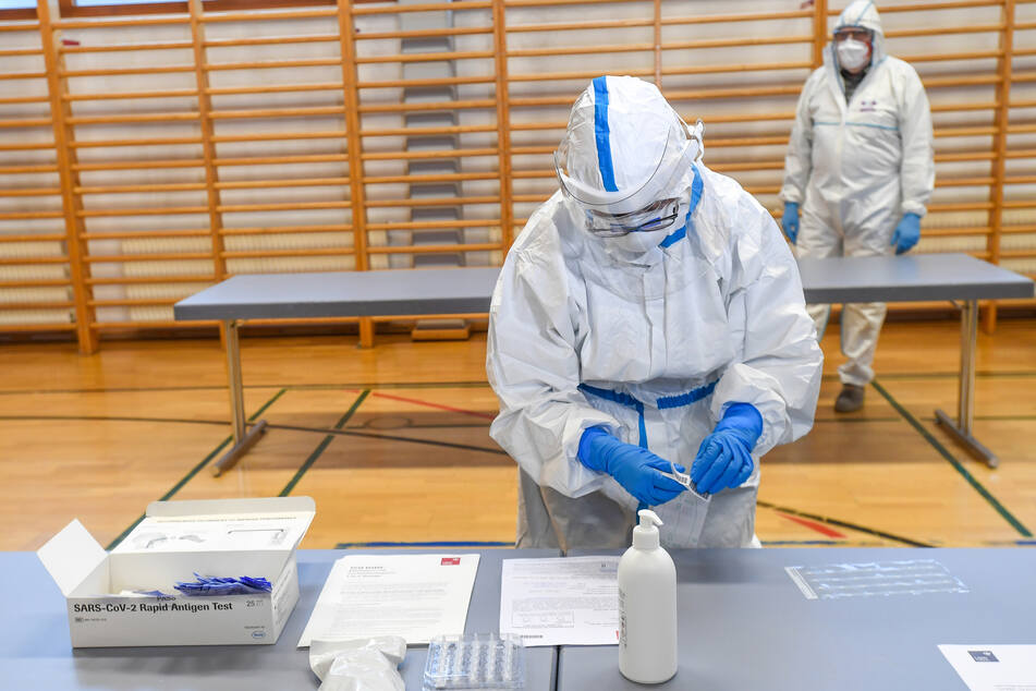 Coronavirus: Neuinfektionen bislang nur geringfügig zurückgegangen