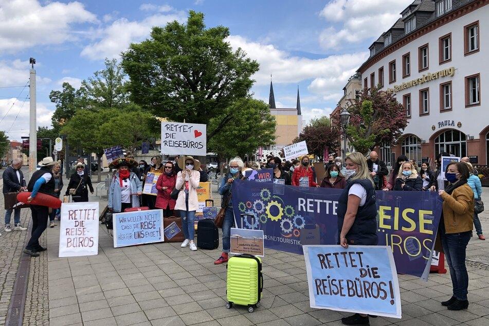 Zahlreiche Reisebüro-Inhaber demonstrierten am Mittwoch in Zwickau.
