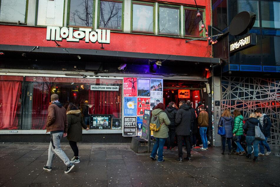 """Eine später positiv getestete Person besuchte am vergangenen Donnerstag den Hamburger Musikclub """"Molotow"""" auf St. Pauli. Nun müssen zig Kontaktpersonen in Quarantäne. (Archivfoto)"""