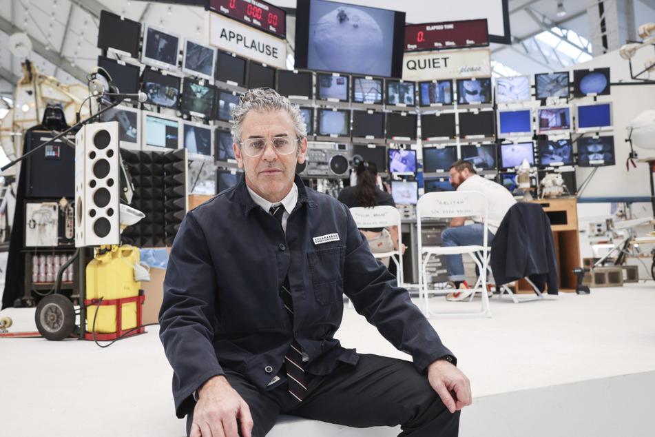 Tom Sachs (55) hat die Weltraummission mit seinem Team in den Hamburger Deichtorhallen geschaffen.