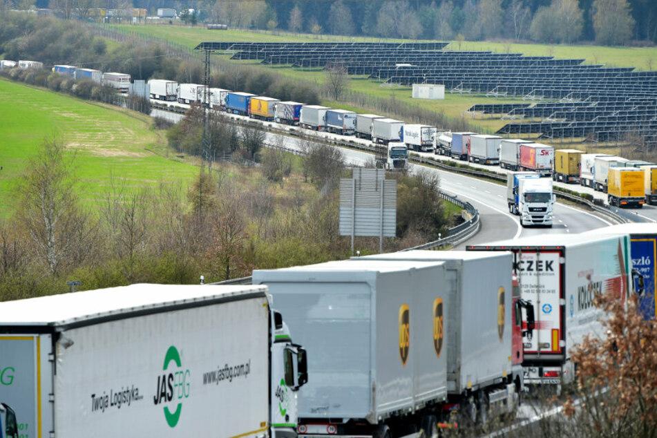 Am Mittwoch ist es an der tschechisch-deutschen Grenze zu erheblichen Verkehrsbehinderungen gekommen.