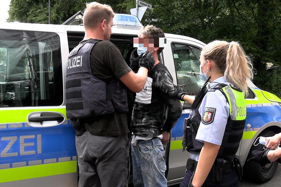 Der 37-Jährige wurde zum Zweck weiterer Ermittlungen in das Polizeipräsidium gebracht.
