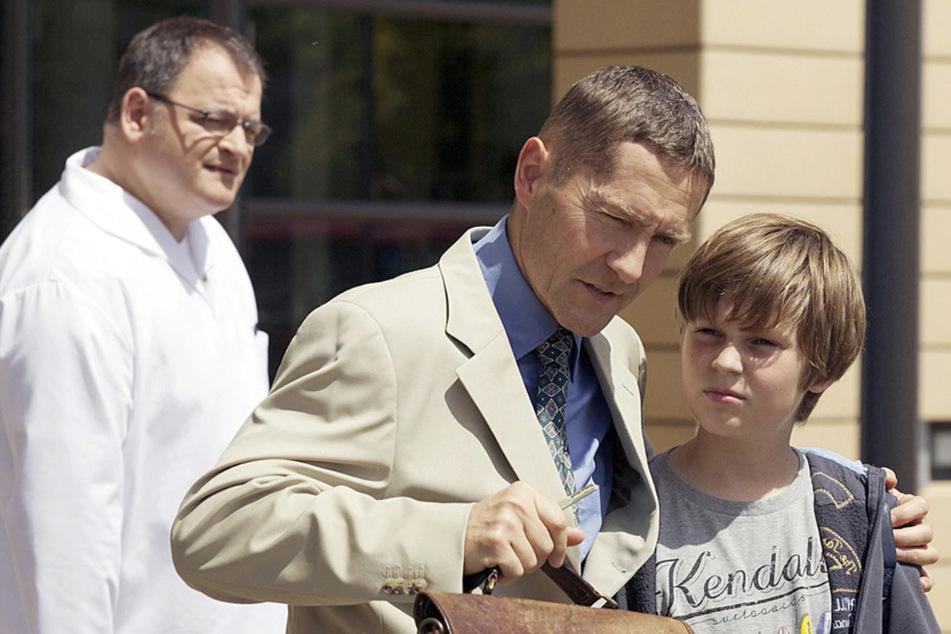 Dr. Rolf Kaminski tut alles dafür, um einen guten Eindruck zu hinterlassen.