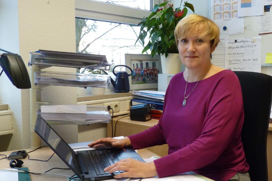 Muss mit weniger Lehrern auskommen: AKS-Schulleiterin Beate Gebauer.